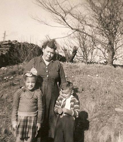 Mor og barn på Stange